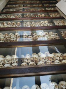 Spomenik umrlim v Kambodži