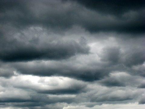 Nad koprskim SD-jem se zgrinjajo temni oblaki