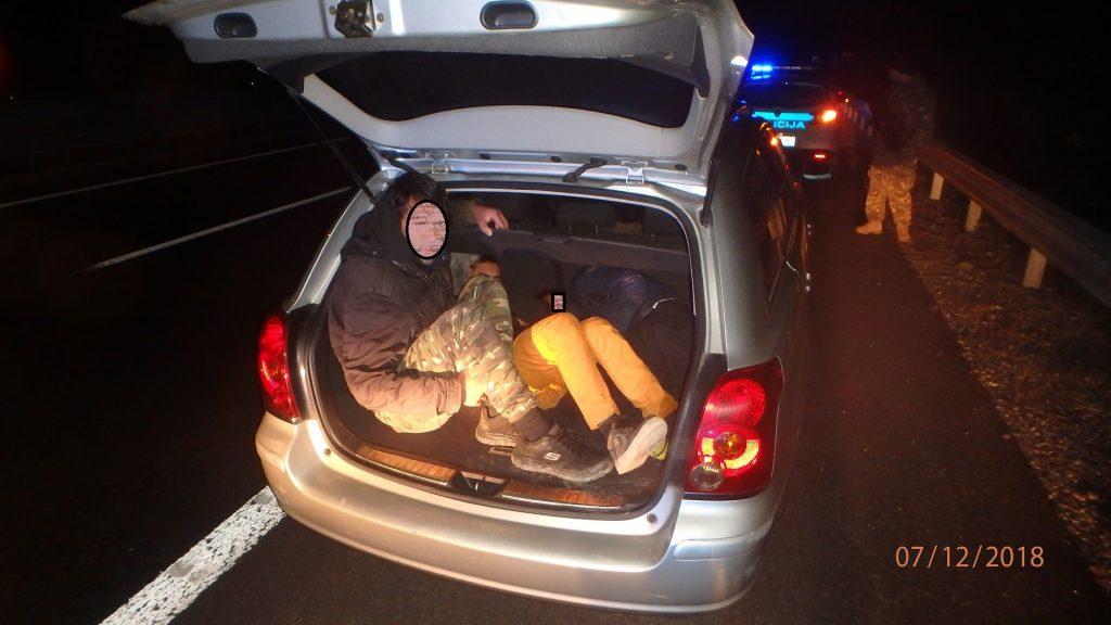 Policisti obravnavali več nezakonitih prestopov meje