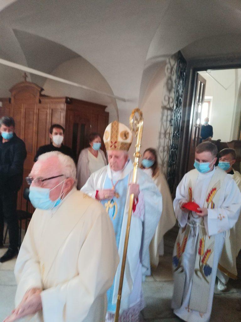 Kardinal Rode daroval mašo v Slivnici